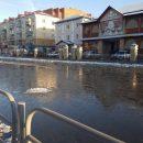 В Кургане из-за коммунальной аварии закрыли движение по центральным улицам и частично выключат воду