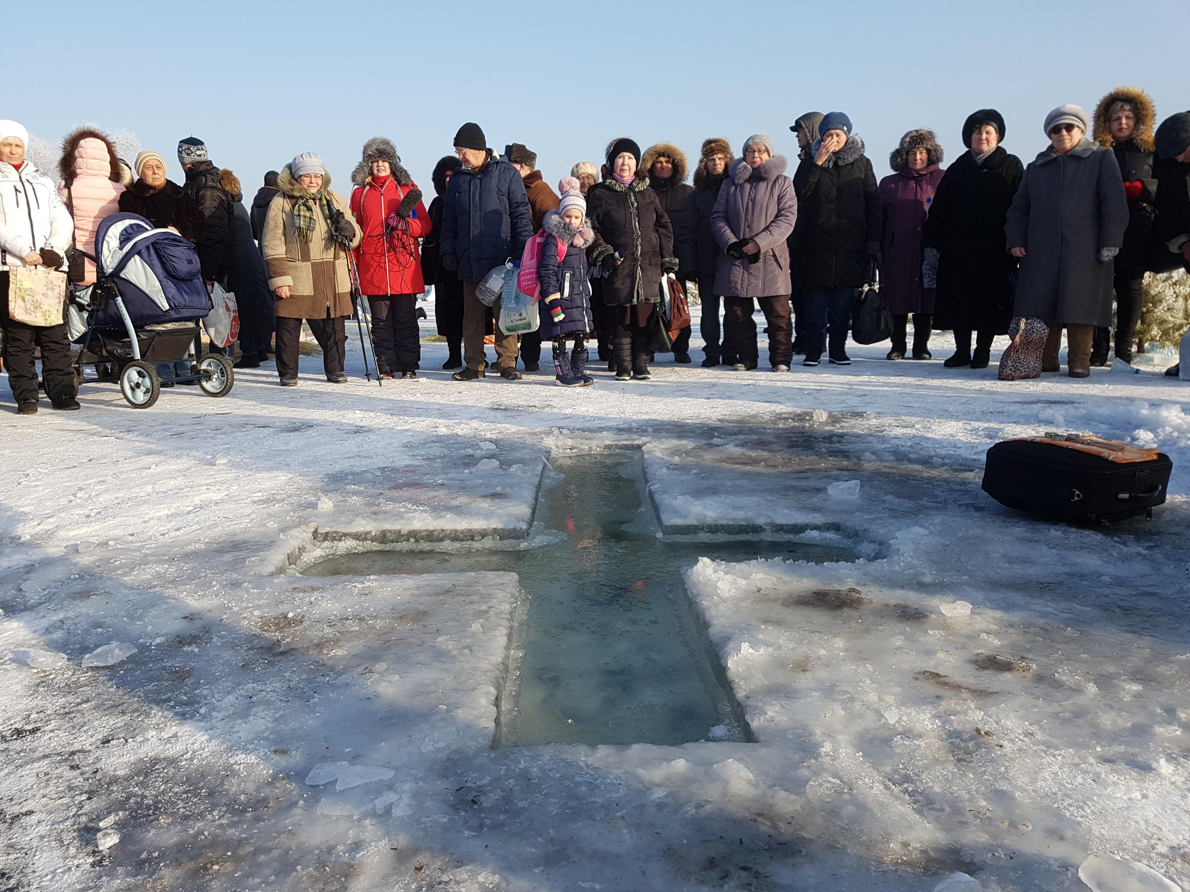 Праздник Крещения: в Курганской области в проруби окунулось более 2500 человек