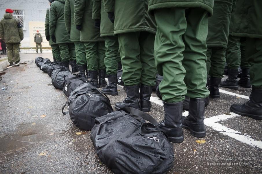 Больше самостоятельности: Госдума рассмотрит новые правила вручения повесток призывникам