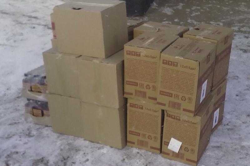 На трассе в Зауралье из машины изъяли 130 литров алкоголя