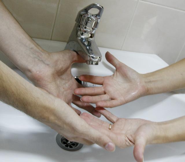 В Кургане из-за двух аварий в домах нет холодной воды