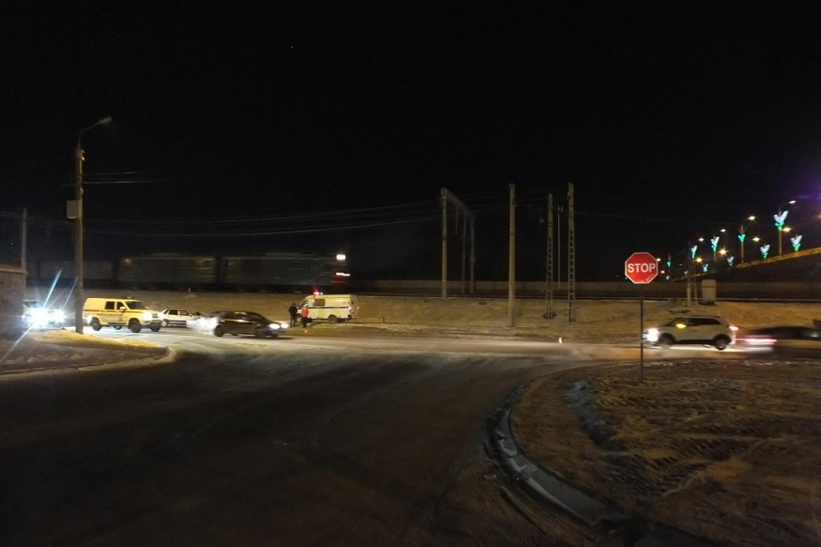 В Кургане два автомобилиста не поделили дорогу