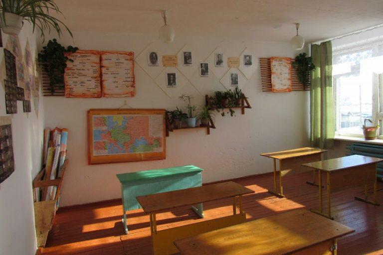Кокорин потребовал увеличить на 20% компенсации расходов на коммуналку сельским учителям