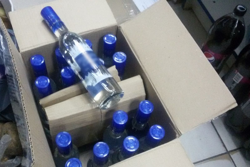 В Частоозерье уничтожат сигареты и алкоголь, которыми местный житель торговал на трассе