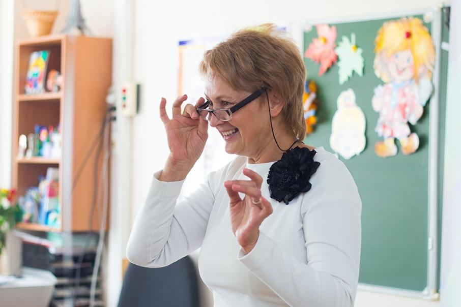 Жгите, сколько хотите: правительство Зауралья добавит по 240 рублей сельским учителям на свет и тепло