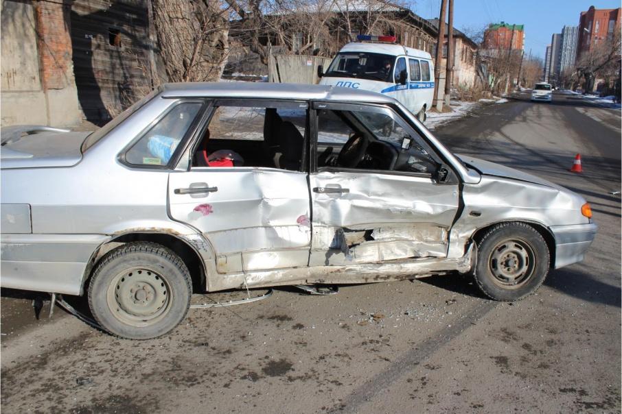 В Кургане в авариях пострадали пешеход и два ребенка