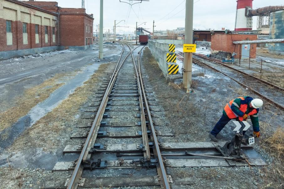За хищение трех тонн железнодорожных рельсов жителей Катайска ждет суд
