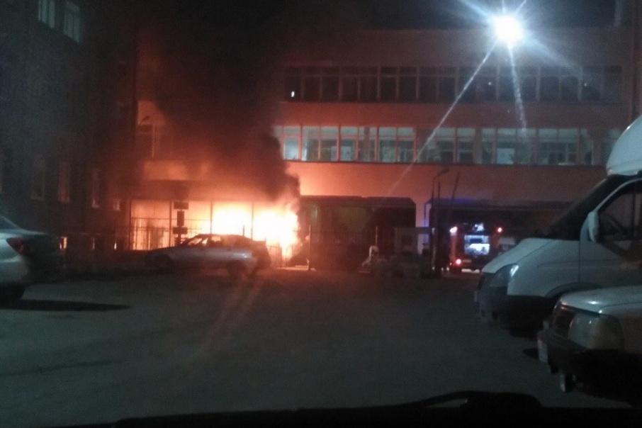 В центре Кургана горел автомобиль скорой помощи