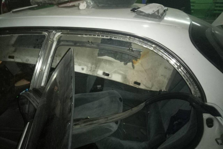 В Кургане полицейские нашли наркотики в крыше машины