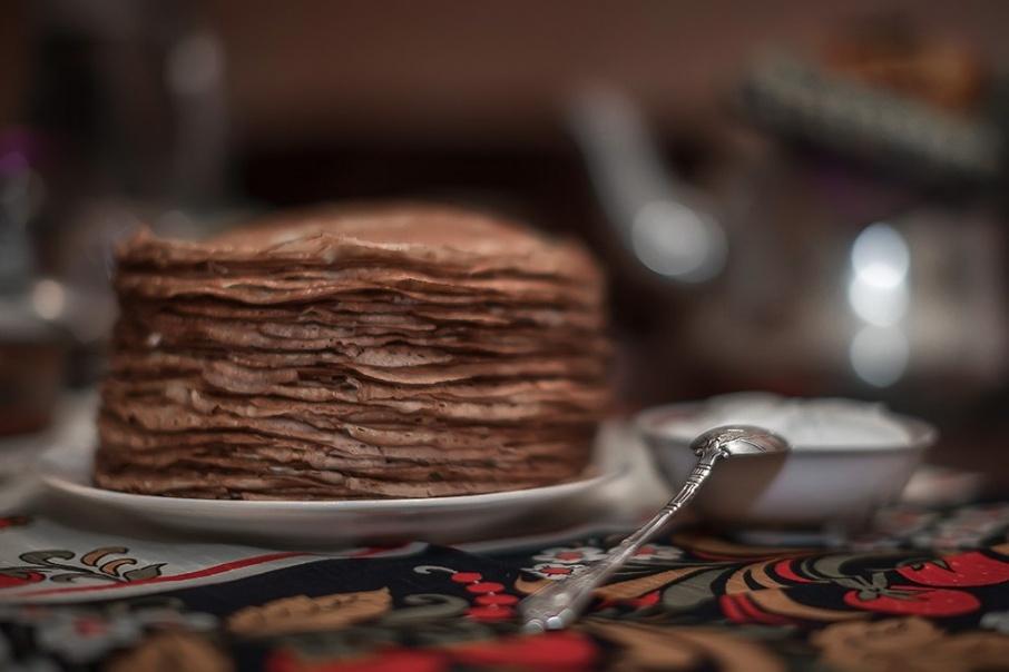В Кургане празднуют Масленицу: как правильно есть блины, чтобы не попасть в больницу