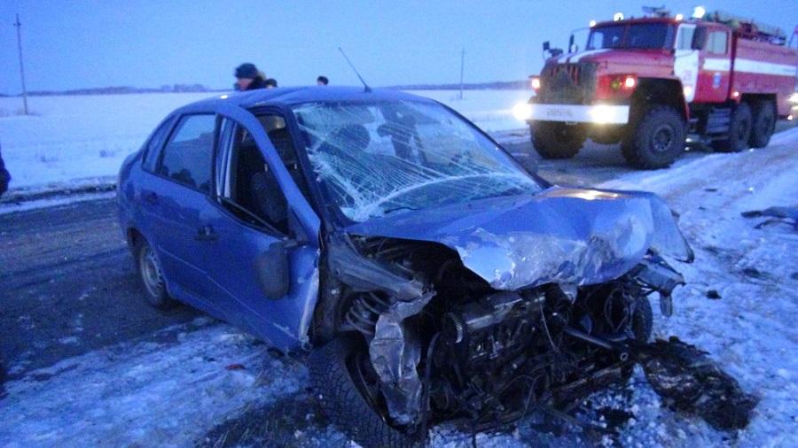 Три человека погибли в аварии в Лебяжьевском районе