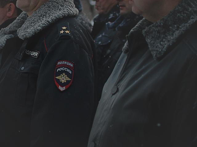 Зауральские полицейские вытащили из сугроба замерзающего лесоруба
