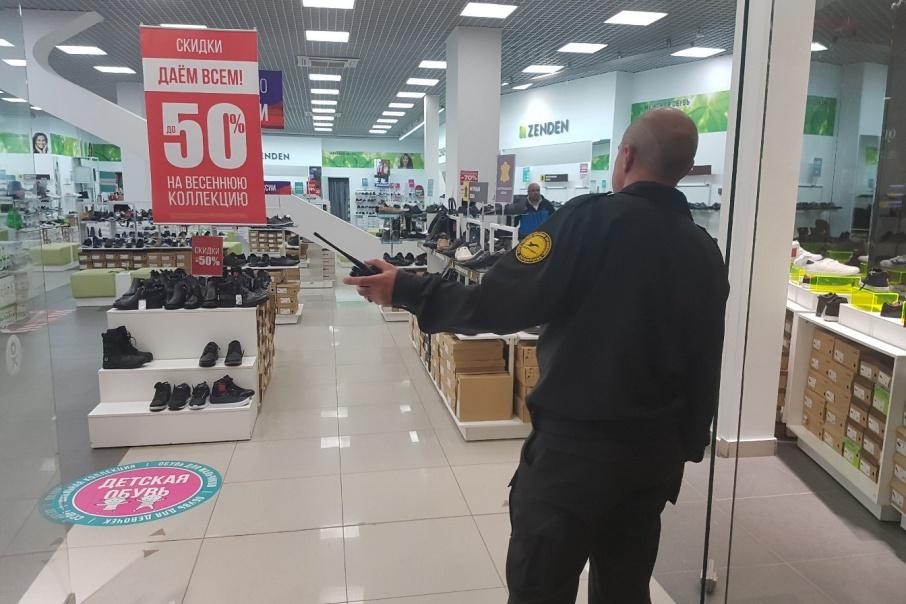 Росгвардия проверила охранников курганских магазинов и культурных центров и осталась недовольна