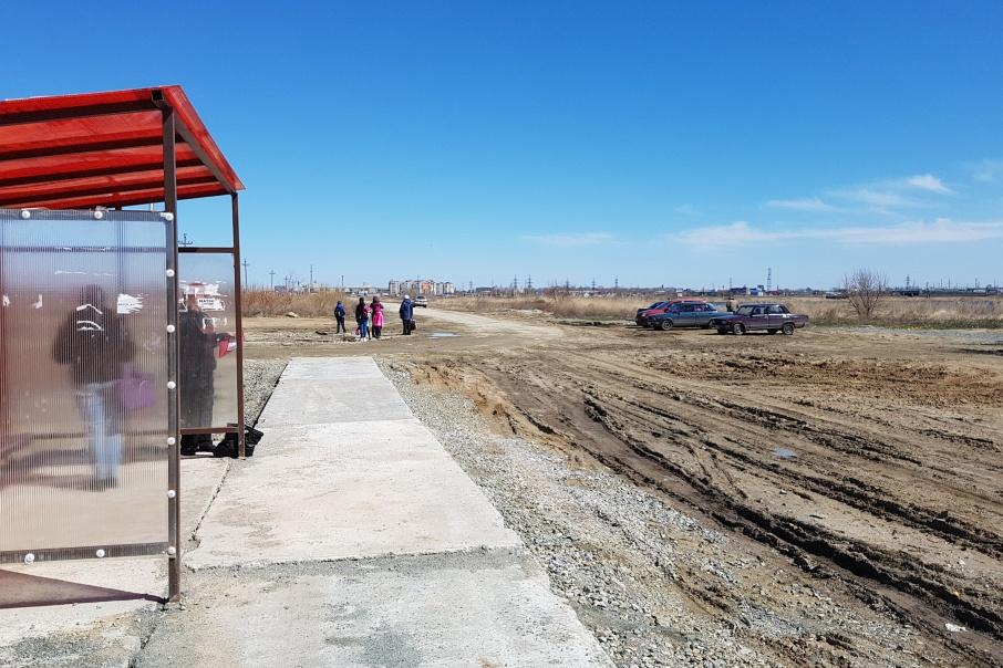 Жители 16 микрорайона в Кургане скидываются на строительство «тропинки через болотную жижу»