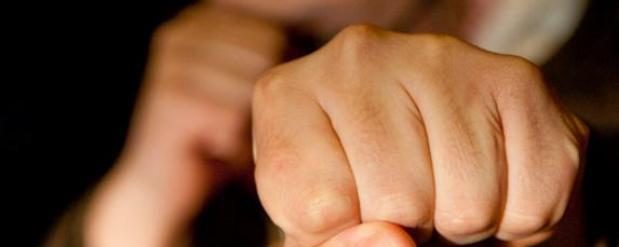 В Искалинском районе двое мужчин серьезно подрались из-за женщины