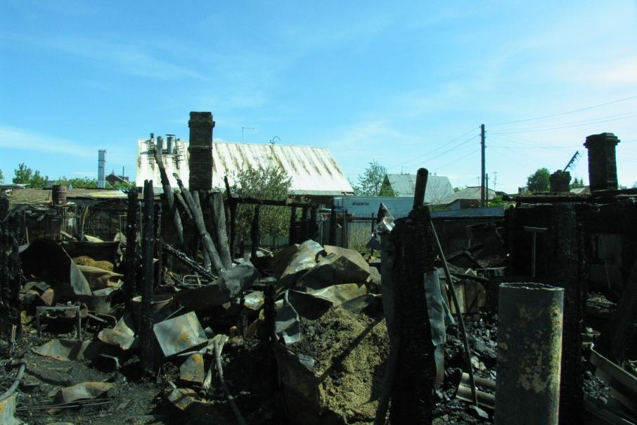 Двое зауральцев погибли в пожарах в майские праздники
