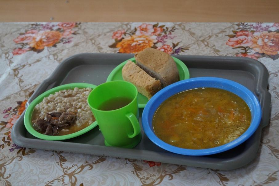 Харчо, каша и свёкла по праздникам: чем кормят заключенных курганских колоний и СИЗО