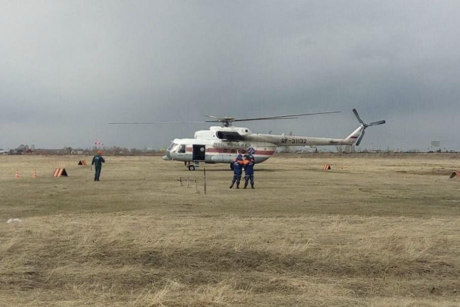 В Курган из Красноярска прилетел вертолет М-8, чтобы тушить пожары