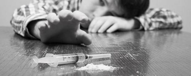 У челнинских тинейджеров изымают наркотики и украденный коньяк