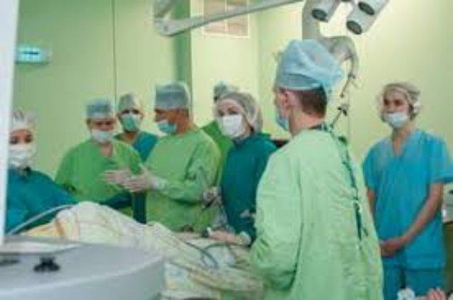 Эскалация и де-эскалация первичного лечения рака молочной железы