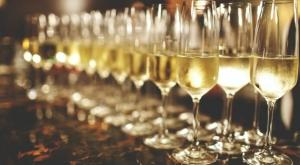 Шампанское признали полезным напитком