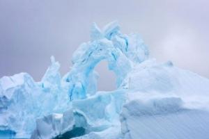 Появилось видео с «пением» антарктических ледников